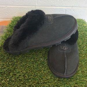 UGG Genuine Shearling Black Slippers Sz 8